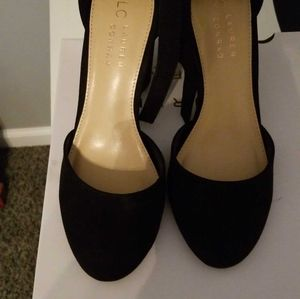 Size 6.5 Black shoes worn once.